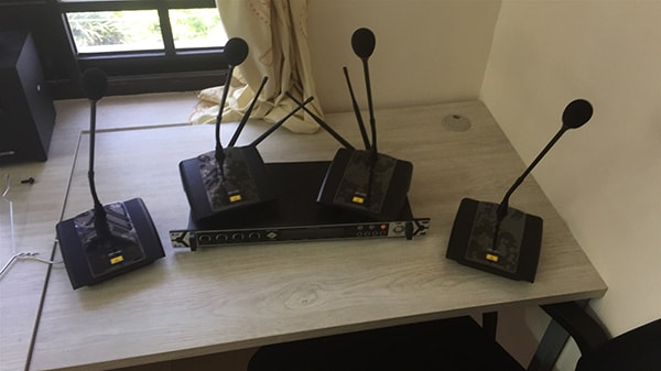 micro hội thảo không dây OBT-4490