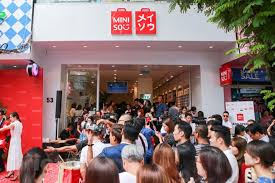 Hệ thống 300 cửa hàng thời trang Miniso